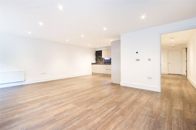Thumbnail Flat for sale in Tavern Quay, Rope Street, London