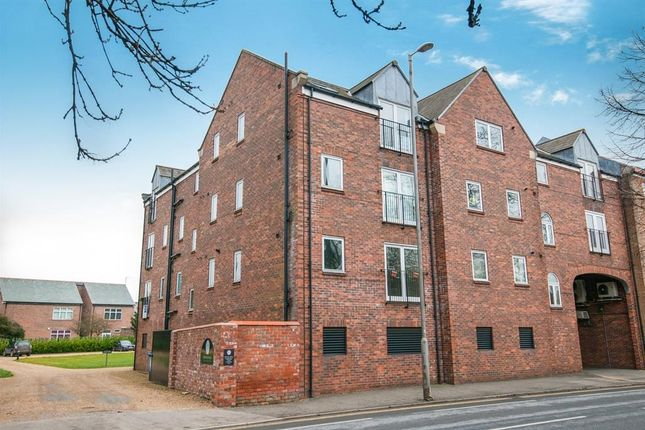 Thumbnail Flat to rent in Regal Court, Manor Road, Beverley
