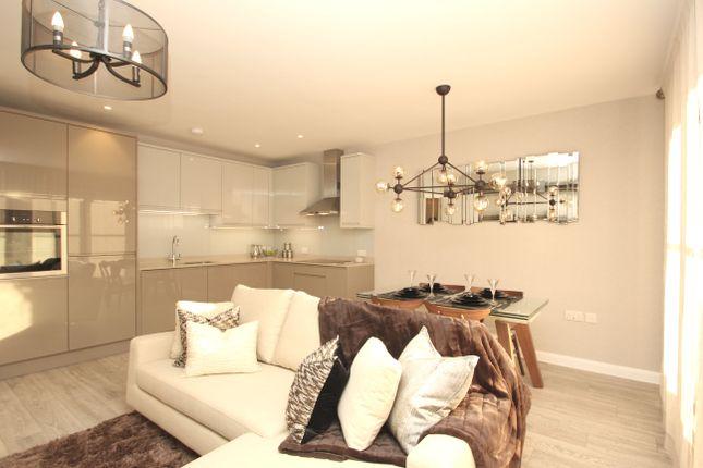 Thumbnail Flat for sale in King Charles Road, Surbiton, Surrey