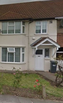 Thumbnail Semi-detached house to rent in Byron Avenue, Hounslow