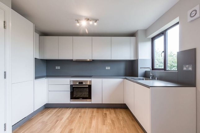 2 bed flat to rent in Myers Lane, London SE14