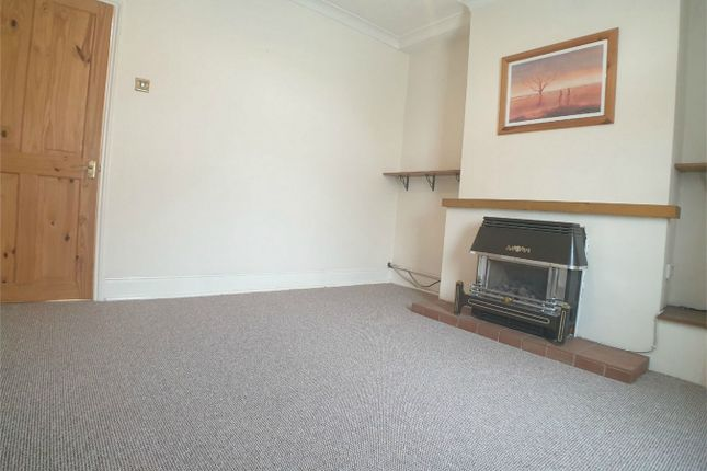 Thumbnail Semi-detached house to rent in Meadowgate, Bourne, Lincolnshire