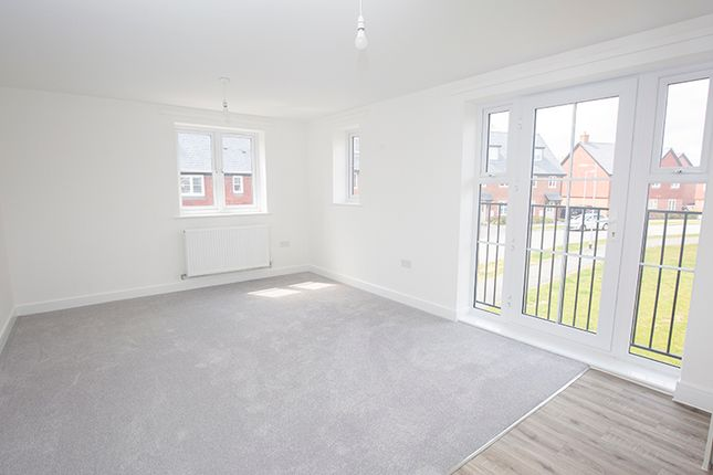 2 bedroom flat for sale in 4 Primrose Court, Colden Common