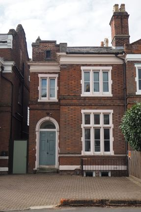 5 bed shared accommodation to rent in Military Road, Colchester CO1