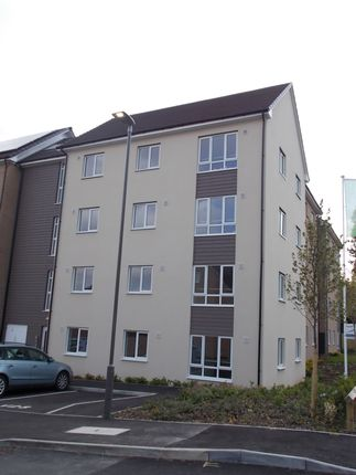 Thumbnail Flat to rent in Bunkers Crescent, Bletchley, Milton Keynes