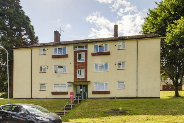 Thumbnail Flat to rent in Blackwater Close, Bettws, Newport
