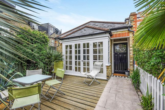 Thumbnail Bungalow to rent in Balvernie Grove, London