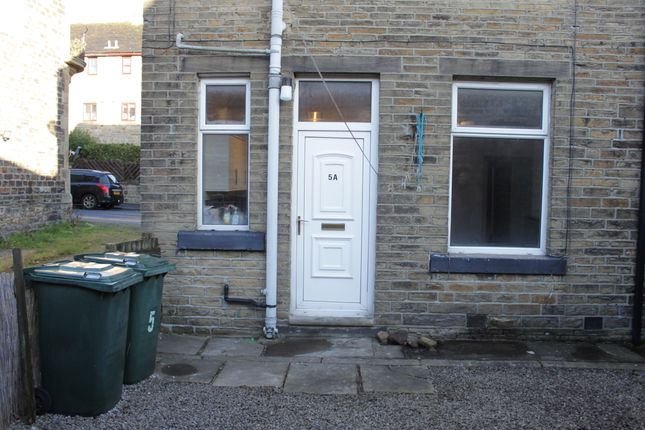Thumbnail Flat to rent in New Road, Silsden, Keighley