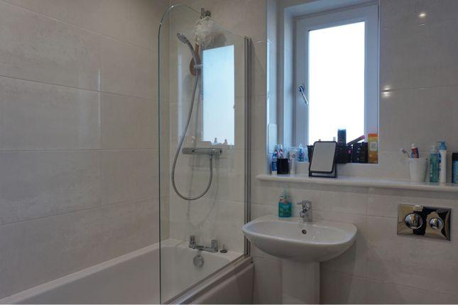 Family Bathroom of Rosebank Terrace, Rosebank Street, Dundee DD3