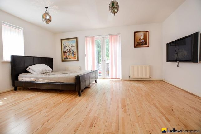 Thumbnail Detached house to rent in Middleton Drive, London