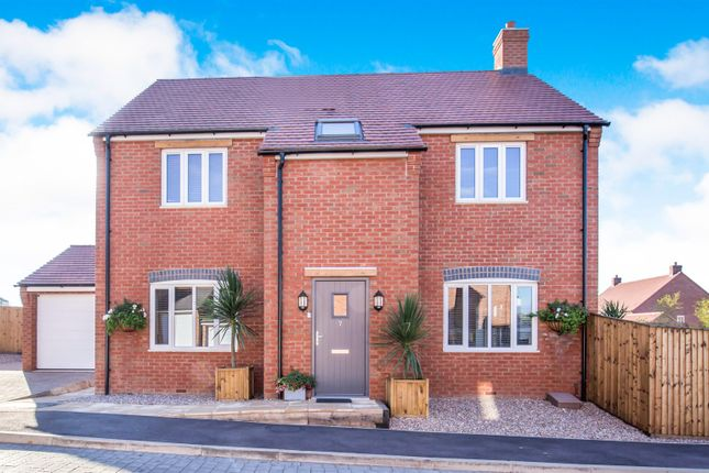 Thumbnail Detached house for sale in Stoney Rise, Sapcote, Leicester