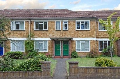 Thumbnail Maisonette to rent in Camberley, Surrey