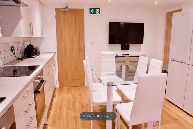 Shared Kitchen of Derby Road, Salford M5
