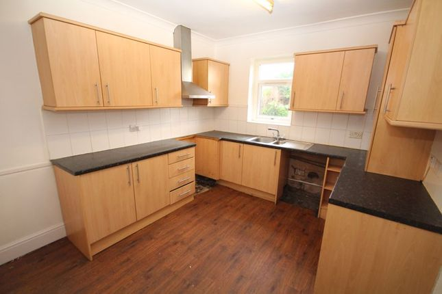 Kitchen of Further Pits, Spotland, Rochdale OL11