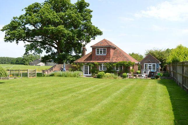 Thumbnail Detached bungalow to rent in Lingfield Lodge Farm, Moor Lane, Marsh Green, Edenbridge