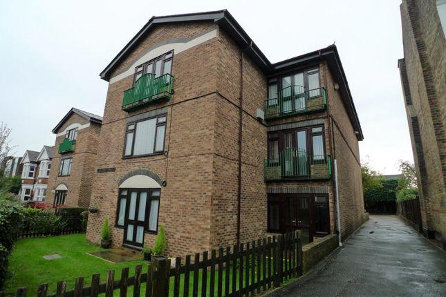 Thumbnail Studio to rent in Hadlow Road, Sidcup