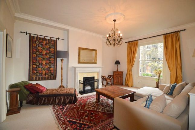 2 bed flat to rent in Edith Grove, Chelsea