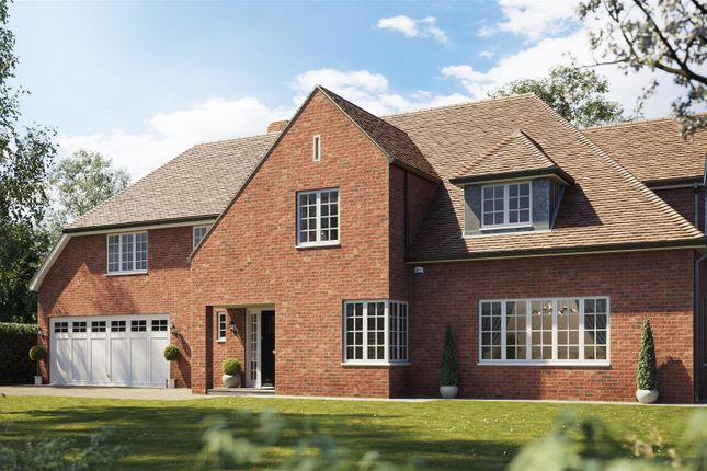 Thumbnail Detached house for sale in Wonford Close, Walton On The Hill, Tadworth