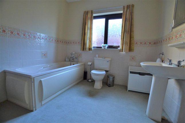 Bathroom of Kilvelgy Park, Kilgetty SA68