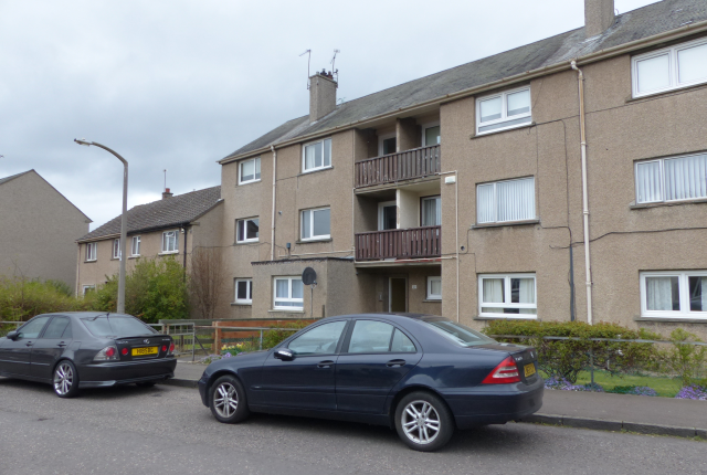 Thumbnail Flat to rent in St Katharines Crescent, Howdenhall, Edinburgh