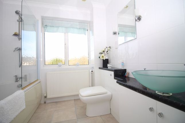 Family Bathroom of Parsons Mead, Flax Bourton, Bristol BS48