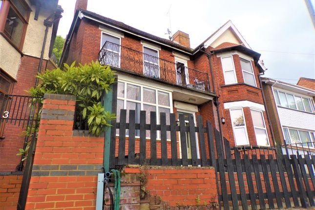 Thumbnail Detached house for sale in Ashburnham Road, Luton