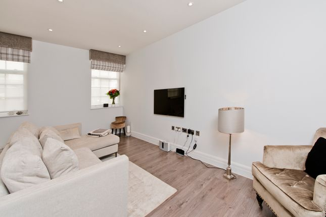 Thumbnail Flat for sale in 2 Kew Bridge Road, London