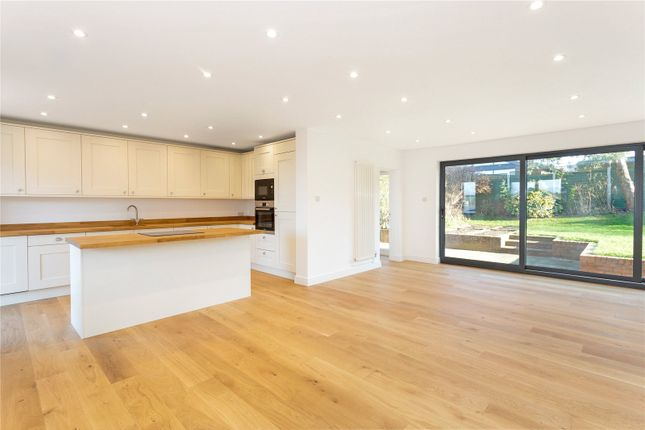 Thumbnail Bungalow for sale in Fairview Road, Hungerford, Berkshire