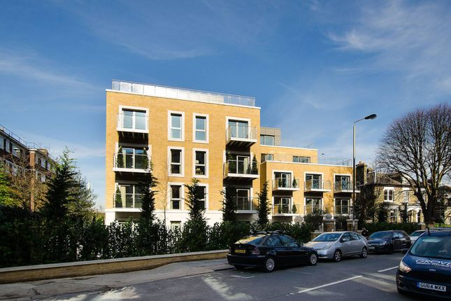 Thumbnail Flat for sale in Oakhill Road, Putney