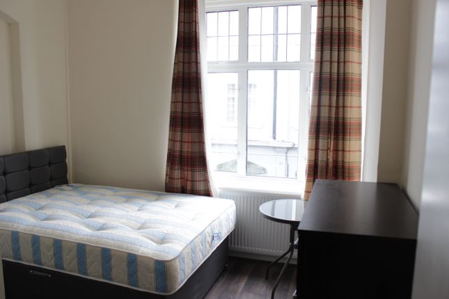 Thumbnail Flat to rent in Brent Street, London