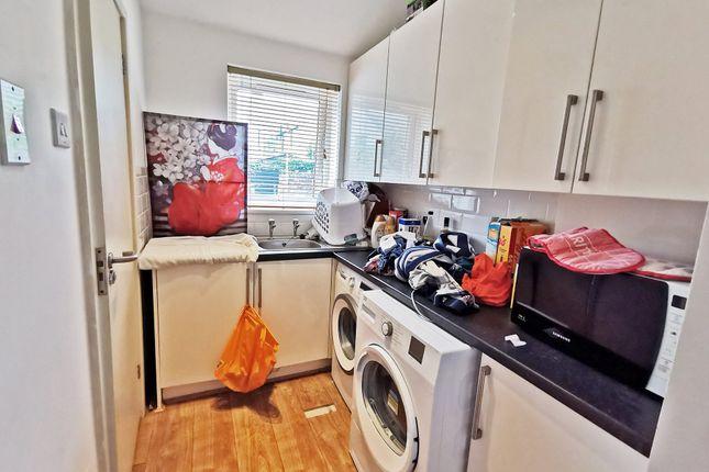 Laundryarea of Mackintosh Place, Roath, Cardiff CF24