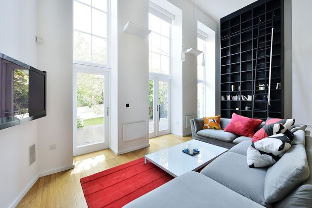 Thumbnail Flat to rent in Hornsey Road, London
