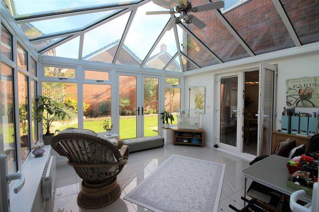 Conservatory of Hewlett Place, St Andrews Ridge, Swindon SN25