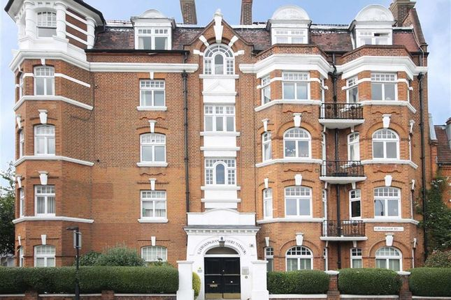 Thumbnail Flat to rent in Hurlingham Road, London