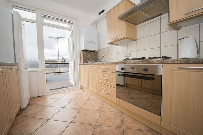 4 bed maisonette to rent in Holloway Road, London