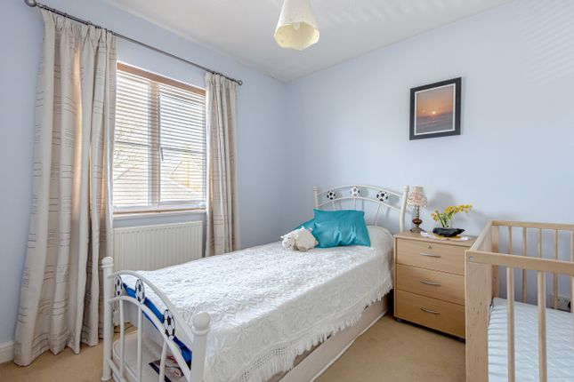 Bedroom 4 of Turnpike Way, Ashington RH20