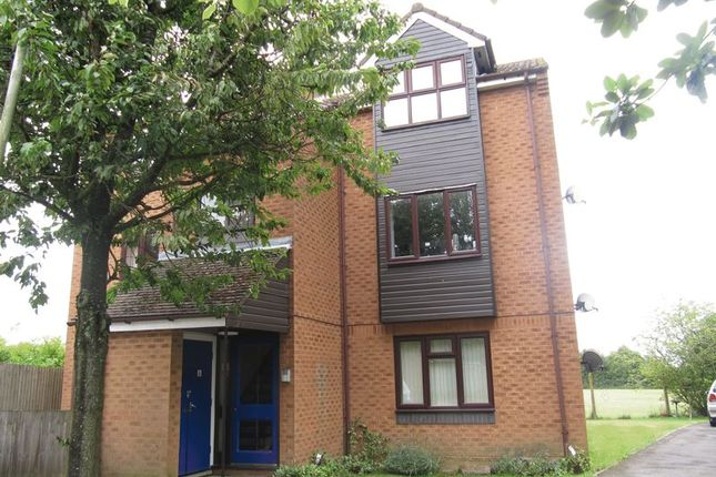 Thumbnail Flat to rent in Billings Close, Stokenchurch, High Wycombe