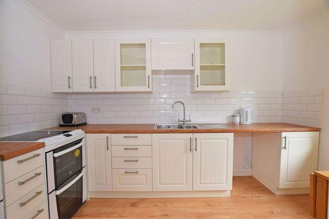 Modern Kitchen of Delves Close, Ringmer, Lewes BN8