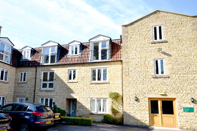 Thumbnail Flat for sale in 15 Kingfisher Court, Avonpark, Limpley Stoke, Bath
