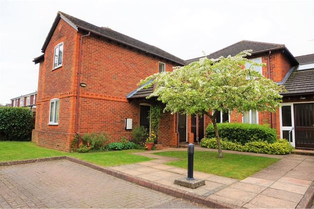 Thumbnail Maisonette for sale in Parkhouse Lane, Reading