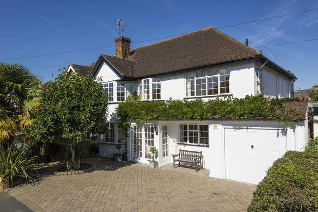 4 bed semi-detached house to rent in Vaughan Road, Thames Ditton KT7