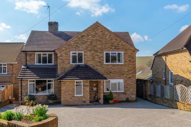 Thumbnail Detached house for sale in Drovers Lane, Amersham