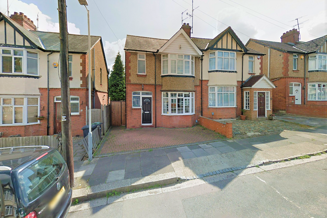 Thumbnail Semi-detached house to rent in Alton Road, Luton