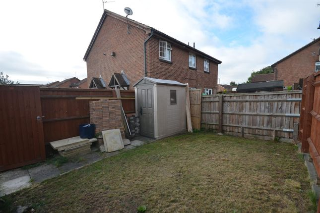 Garden B of Field Close, Aylesbury HP20