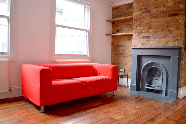 Thumbnail Flat to rent in Cross Street, London
