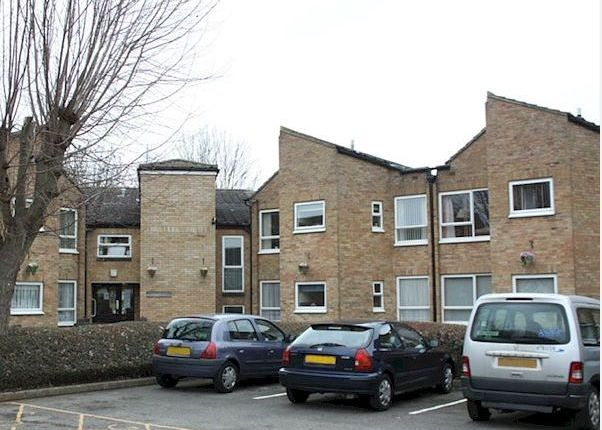 Thumbnail Flat to rent in Longleat Close, Banbury