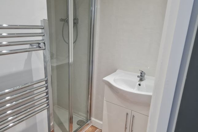 3 bed terraced house to rent in Forest Avenue, Walsall WS3