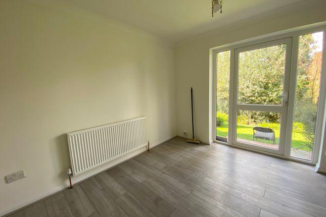Thumbnail Flat to rent in Pages Lane, Uxbridge