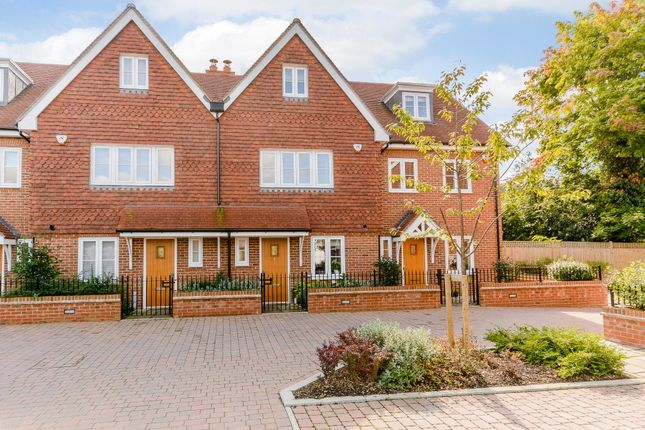 Thumbnail Property for sale in Walsham Mews, Ripley, Woking