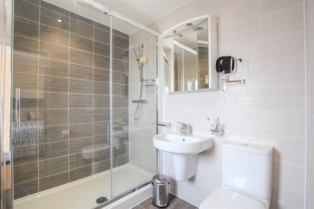 En Suite of The Waterfront, Goring-By-Sea, Worthing BN12